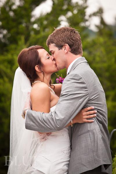 Holt-Summit-MO-Winery-Wedding-Photographer-091810-22.jpg