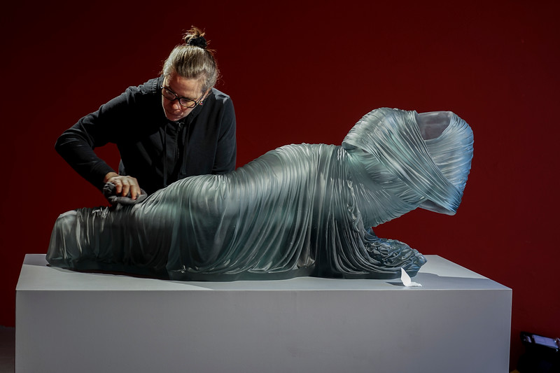 Reclining Nocturne 3 | Glass dress sculpture with absent body | Venice Biennale Glasstress