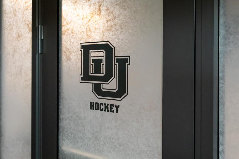 20181103-DU-Hockey-RibbonCutting-168.jpg