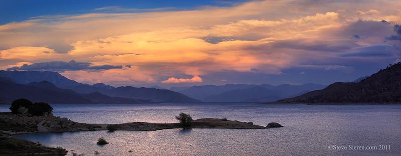 Lake Isabella Panorama Sierra South.jpg