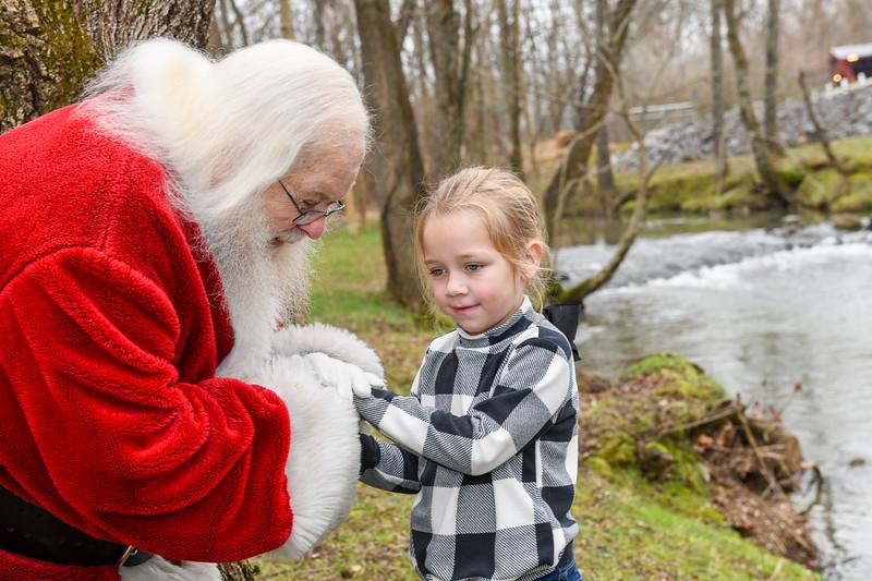 Santa2019-133.jpg