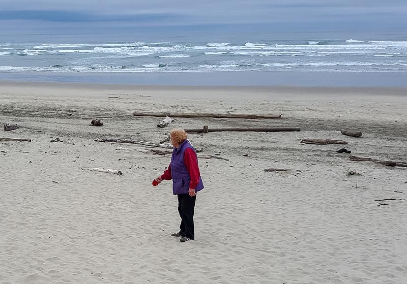 Beach walk with Mattie (3 of 20).jpg