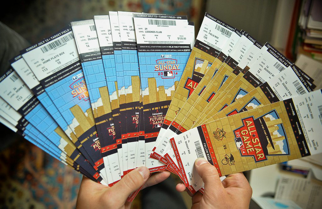 ". 20. (tie) ALL-STAR GAME <p>Plenty of good seats available, if you�re willing to sell off a kidney or two.   <p><b><a href=\'http://www.twincities.com/twins/ci_26035196/all-star-game-tickets-are-getting-costly\' target=""_blank\""> LINK </a></b> <p>   (Pioneer Press: Ben Garvin)"