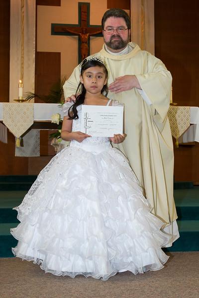 Communion Hispanic-9157-30 4X6 - 2.JPG