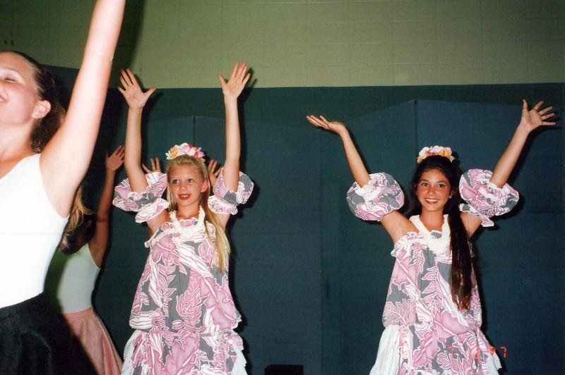 Dance-Trips-Hawaii_and_Hawaiians_to_MI_0095_a.jpg