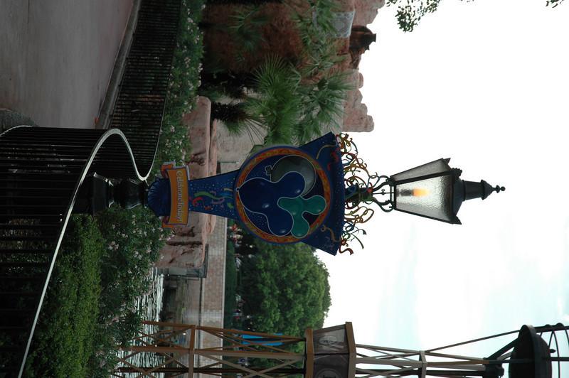 Disney July 2009 032.JPG