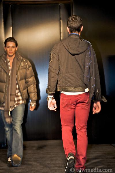 Nordstroms Men's Guide to Style 9-22-09 60.jpg