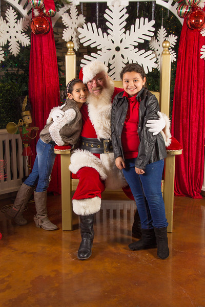 Santa 12-16-17-277.jpg
