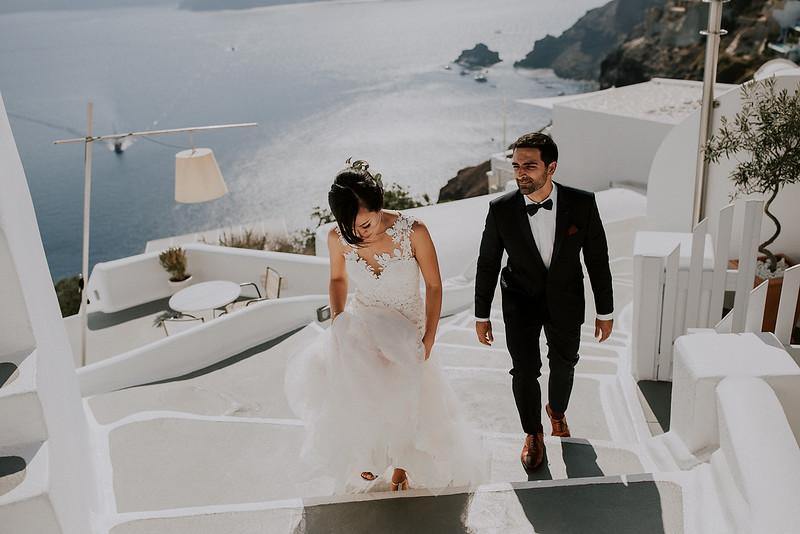 Tu-Nguyen-Destination-Wedding-Photographer-Santorini-Rocabella-Hotel-Euna-Ehsan-223.jpg