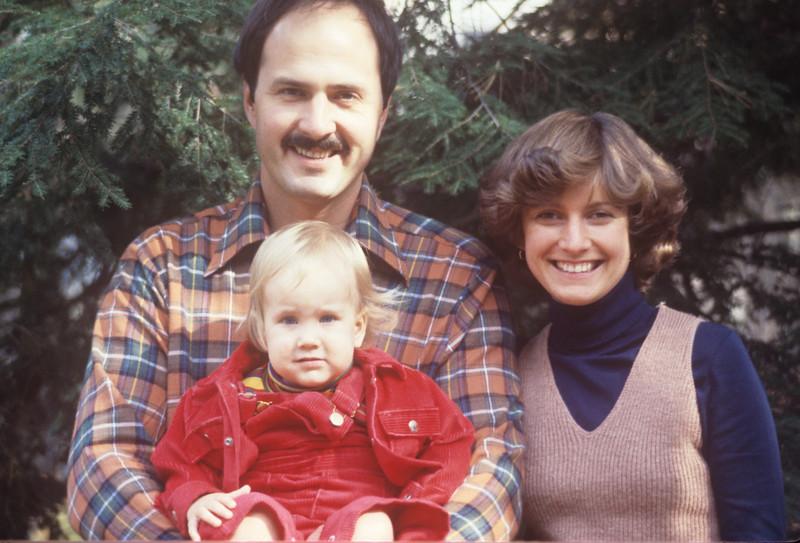 1977-07 Greg, Nancy & Nicole.jpg