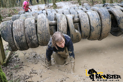 1100-1130 Barbed Wire & Tyre Crawl