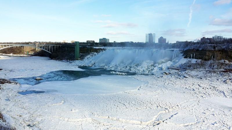 NiagaraFalls-Winter01.jpg