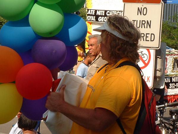 Pride Parade 2001-36.jpg