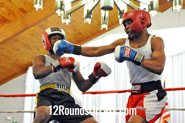 Bout 9 Marty Adams, Cleveland -vs- DeShaun Singleton, Cleveland, 140 lbs