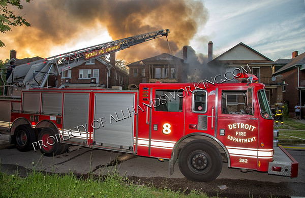 Detroit Tuxedo and Lawton vacant dwelling fire