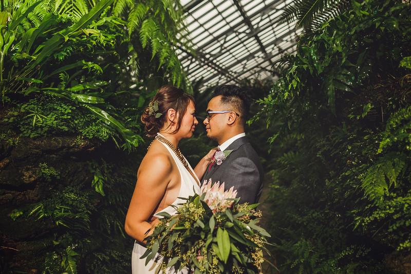 Garfieldpark-conservatory-wedding-36.jpg