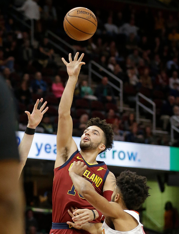 . Cleveland Cavaliers\' London Perrantes shoots against the Atlanta Hawks in the second half of an NBA basketball game, Tuesday, Dec. 12, 2017, in Cleveland. (AP Photo/Tony Dejak)
