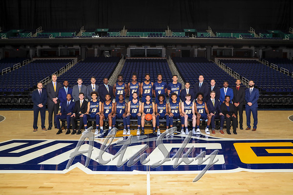UNCG MENS BASKETBALL 2018-19 TEAM PHOTO