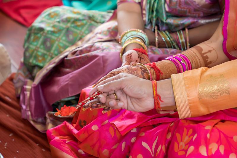 Hina_Pithi_Pooja-289.jpg