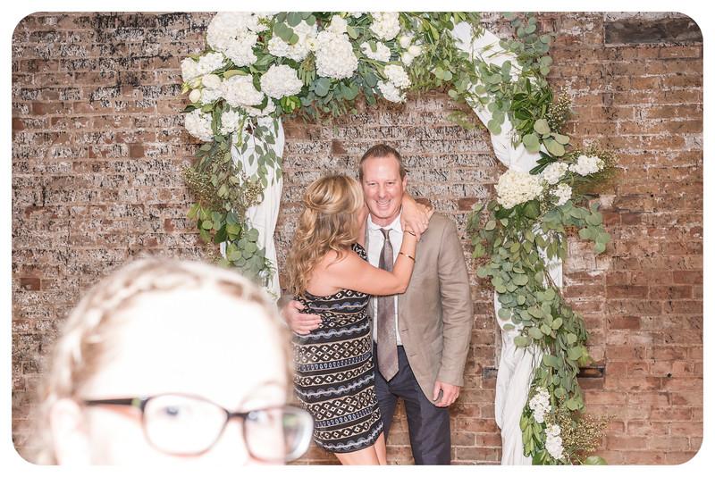 Laren&Bob-Wedding-Photobooth-129.jpg