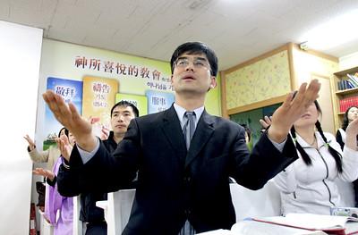 Worship-Asia_0354