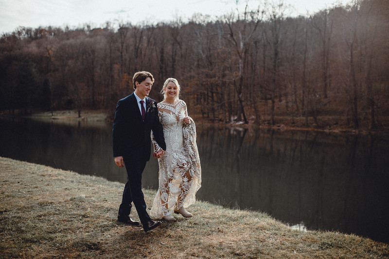 Requiem Images - Luxury Boho Winter Mountain Intimate Wedding - Seven Springs - Laurel Highlands - Blake Holly -730.jpg