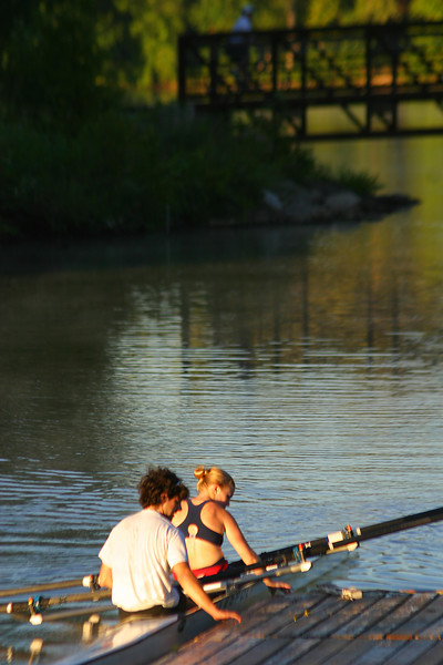 Jeff and Meg went out for an early morning row at Creve Coeur.