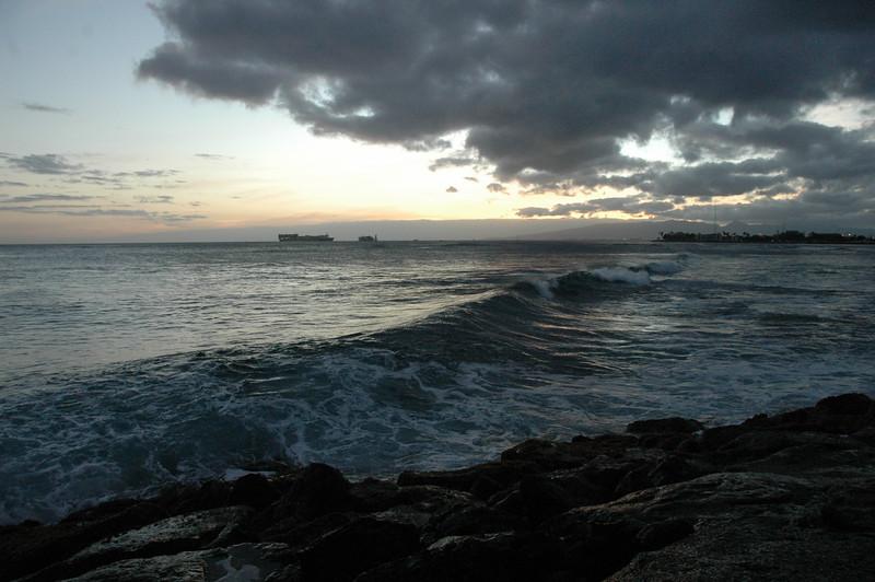 Hawaii - Ala Moana Beach Sunset-158.JPG