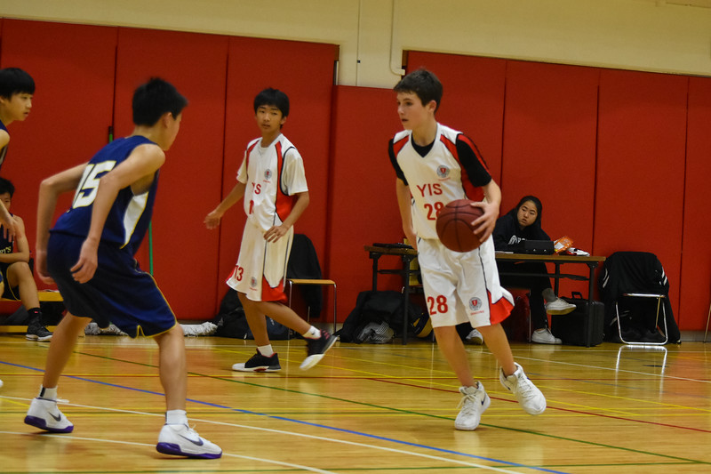 YIS Athletics-MS Boys Basketball-DSC_0071-2018-19.jpg