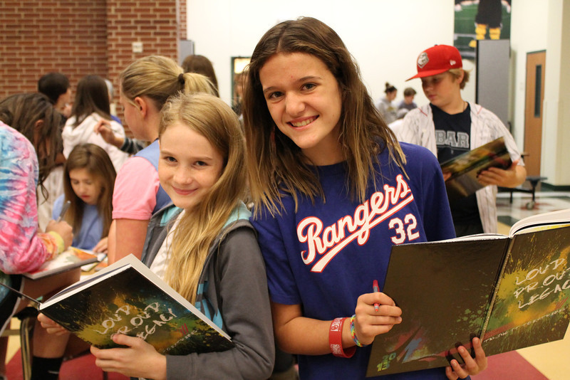 Yearbook Signing Rachel Edwards and Avery Thomas.JPG
