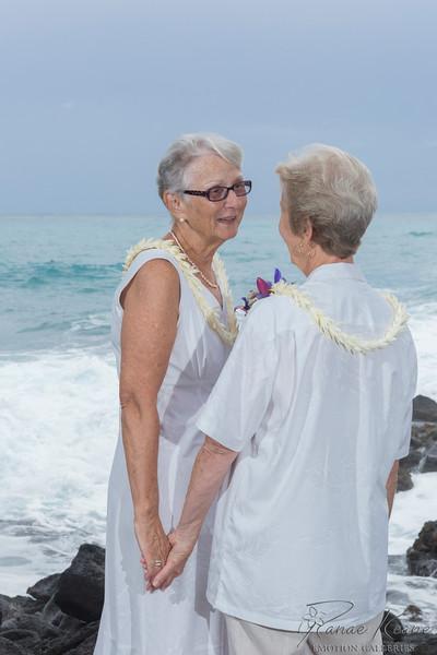 084__Hawaii_Destination_Wedding_Photographer_Ranae_Keane_www.EmotionGalleries.com__141018.jpg