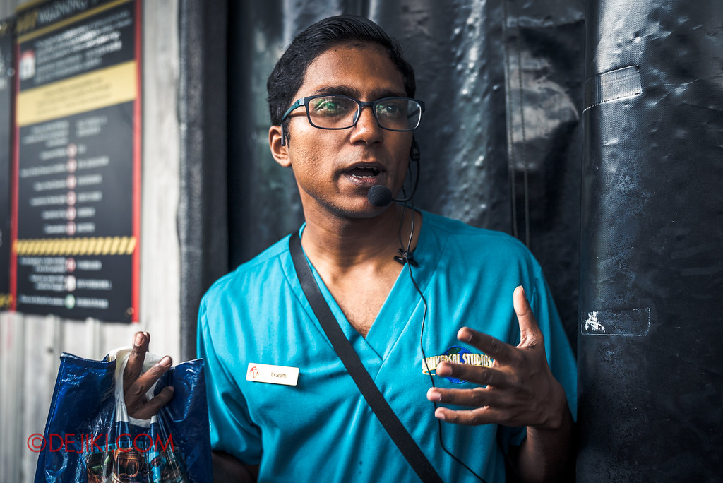 Halloween Horror Nights 6 Behind The Screams BTS Tour 2016 / RIP BTS Guide Ibrahim introducing Hawker Centre Massacre