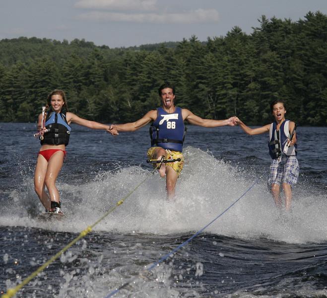 viens kids skiing2.jpg
