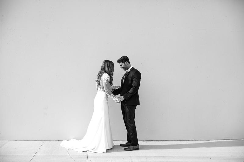 Kate&Josh_B&W_ZACH.WATHEN.PHOTOGRAPHER-274.jpg
