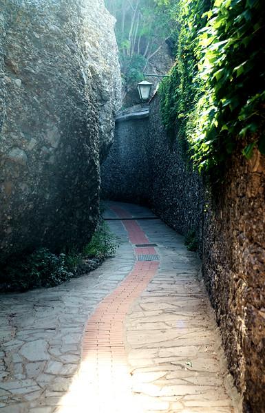 08_19 portofino castle stairway DSC04777.JPG
