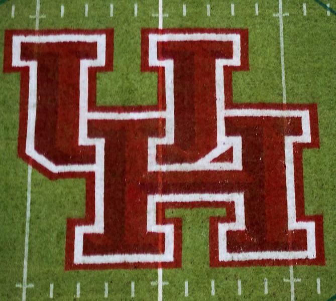 UH midfield logo