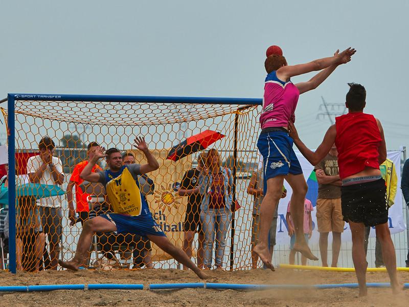 Molecaten NK Beach Handball 2015 dag 2 img 498.jpg