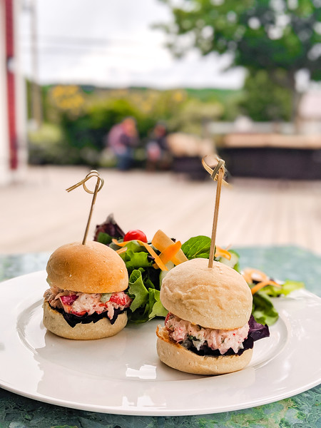 Gaspereau Winery lobster slider chicken sandwich-2.jpg