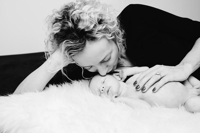 Newborn-Louise (131 van 142).jpg