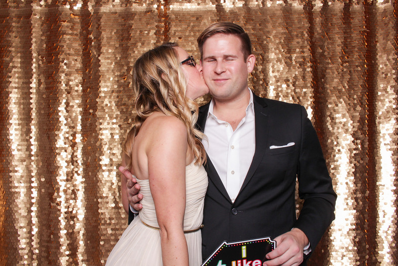 2014-12-17_ROEDER_Photobooth_Coinbase_HolidayParty_Singles_0092.jpg