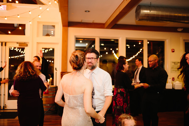 katelyn_and_ethan_peoples_light_wedding_image-785.jpg