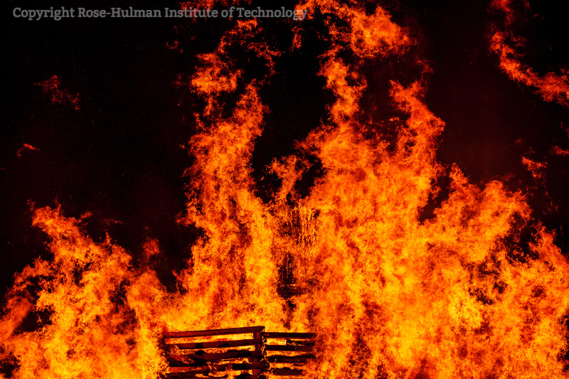 RHIT_Homecoming_2019_Bonfire-7403.jpg