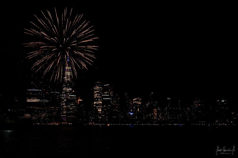 4th of july 2021 fireworks nyc skyline 2 10M0A0401.jpg