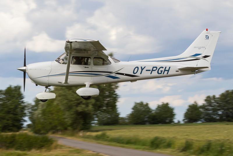 OY-PGH-Cessna172SSkyhawkSP-Private-EKEL-2013-07-30-_MG_2108-DanishAviationPhoto.jpg