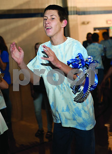 special-needs-students-celebrate-homecoming-with-dance-at-lindale