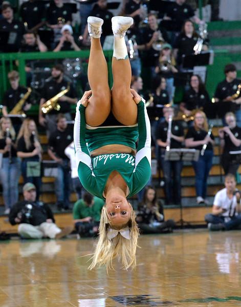 cheerleaders1412.jpg