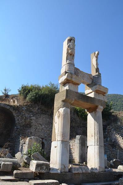 DSC_1817-the-temple-of-domitian.JPG