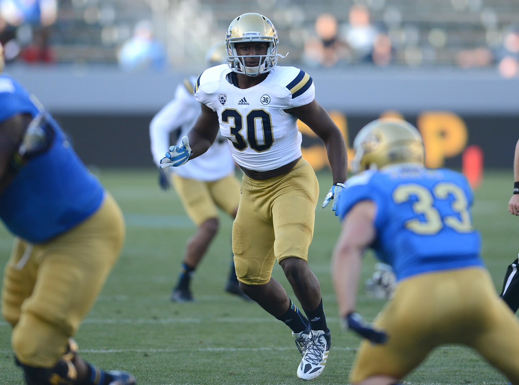 . UCLA\'s Myles Jack,30, during the UCLA Spring Football Showcase,  at the StubHub Center.    Carson Calif., Saturday, April 26,  2014.   (Photo by Stephen Carr / Daily Breeze)