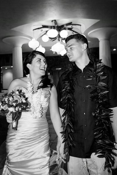 231__Hawaii_Destination_Wedding_Photographer_Ranae_Keane_www.EmotionGalleries.com__140705.jpg