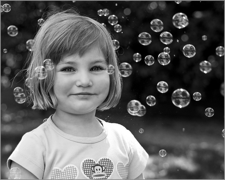 Shay Bubbles B&W3071.jpg